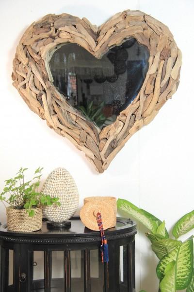 Spiegel in Herzform HEART