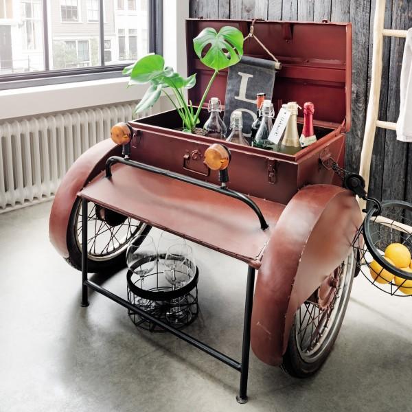 Unikat-Getränkebox auf Rädern